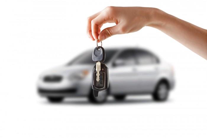 Житель Никеля «кинул» знакомую с покупкой автомобиля